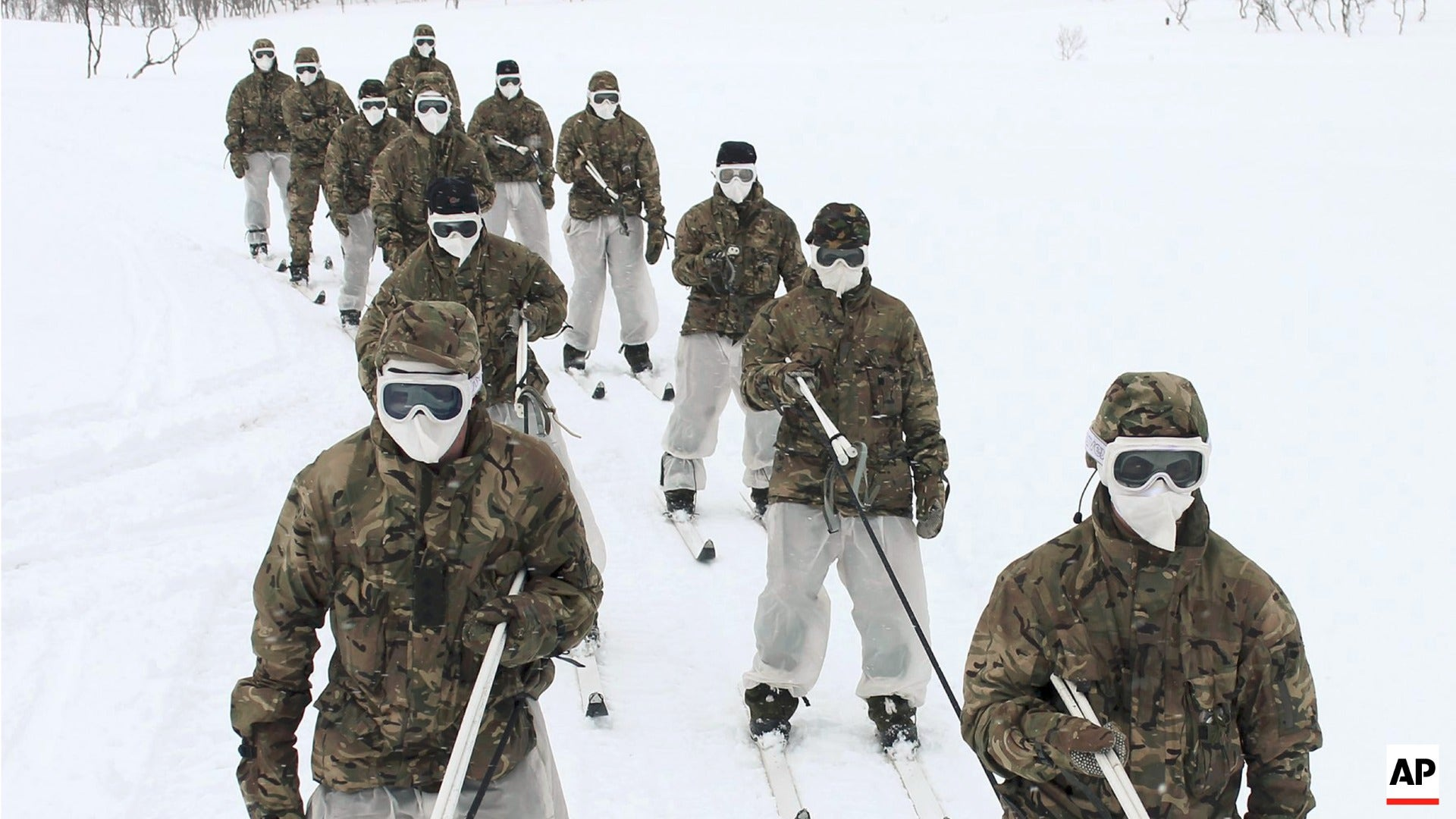 During Arctic training exercises and operations, soldiers typically wear off-the-shelf balaclavas and non-ballistic ski goggles for cold weather protection [Crown Copyright]